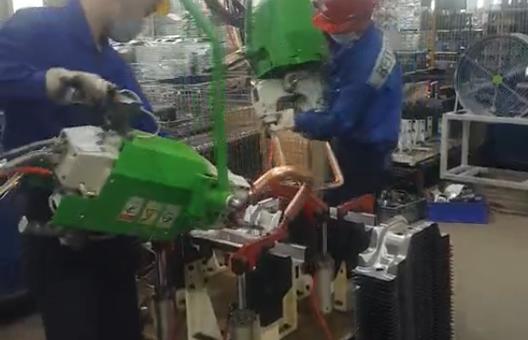 悬挂式点焊机